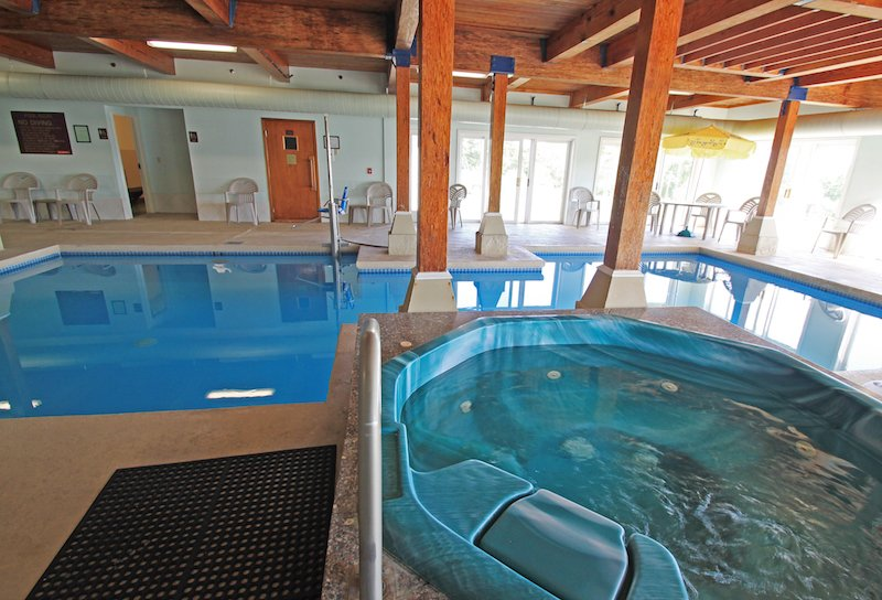 Indoor pool and hot tub Resort Indoor Pool Hot Tub Homeawaycom Belfast Maine Hotel Fireside Inn And Suites